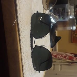 Black Ray Ban leathers